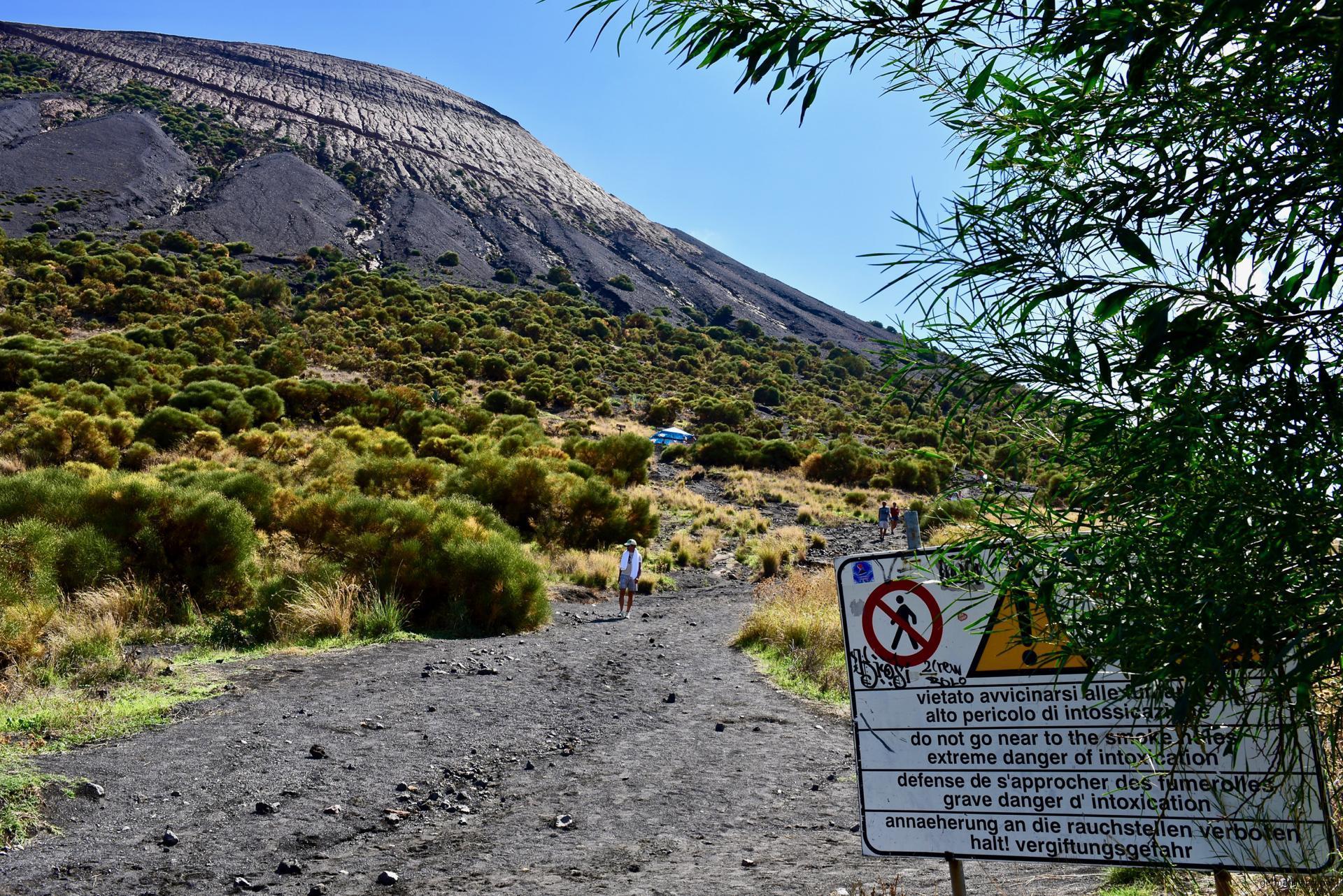 Beginn des Wanderweges zur Fossa di Vulcano - Liparische Inseln
