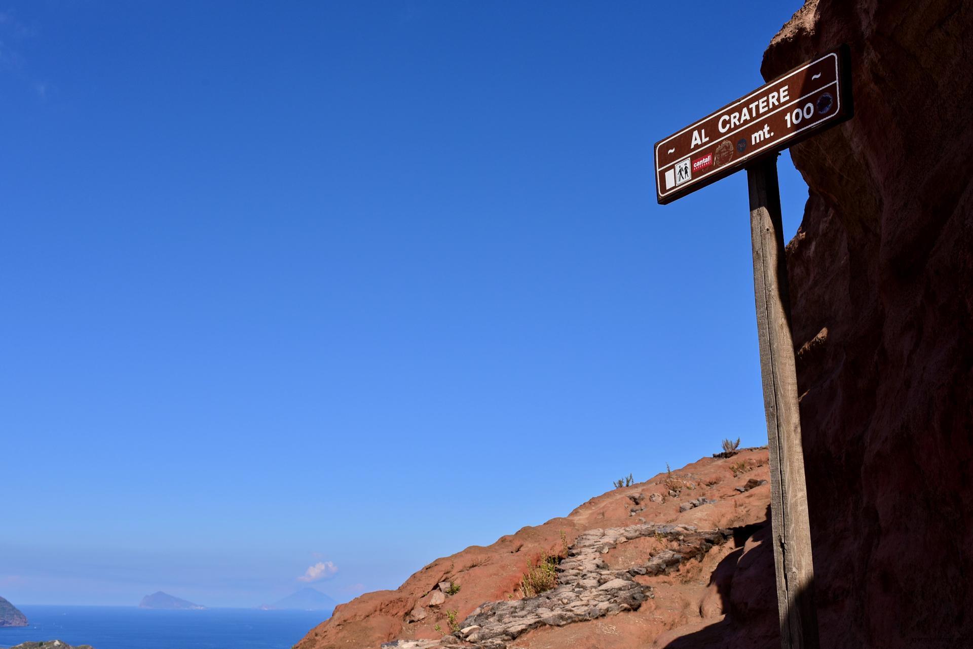 Aufstieg zur Fossa di Vulcano -